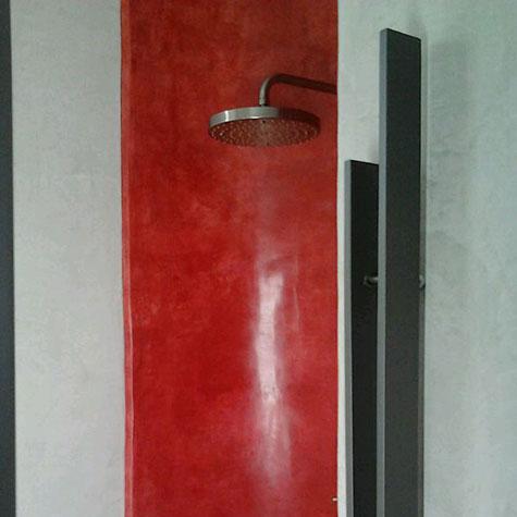 vano doccia con applicazione di rivestimento impermeabilizzante in tadelakt