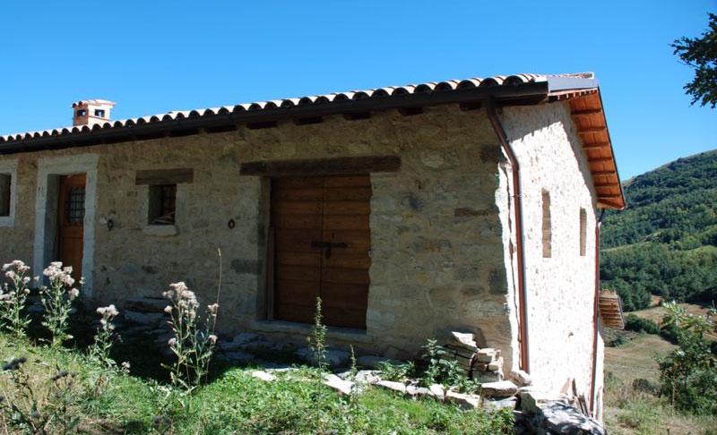 restauro di casale: utilizzo delle pietre locali