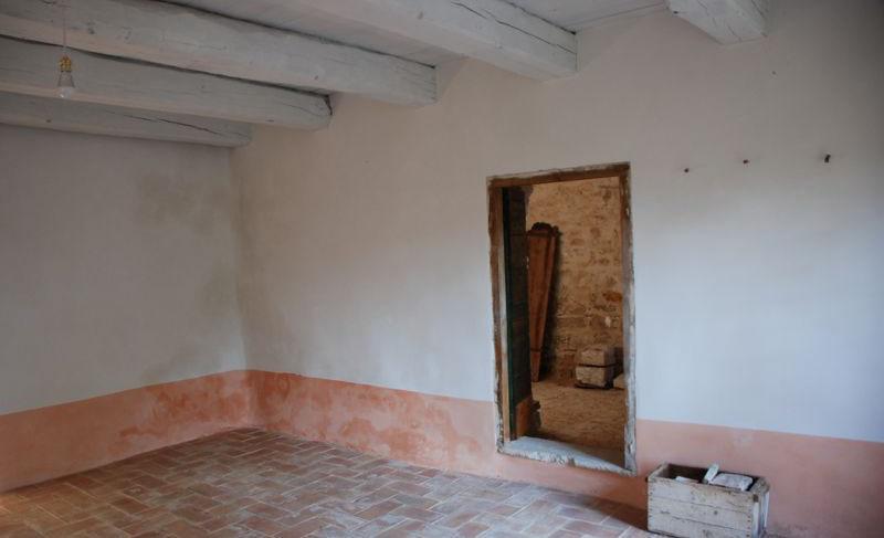 rivestimento delle pareti interne e pavimentazione in cotto